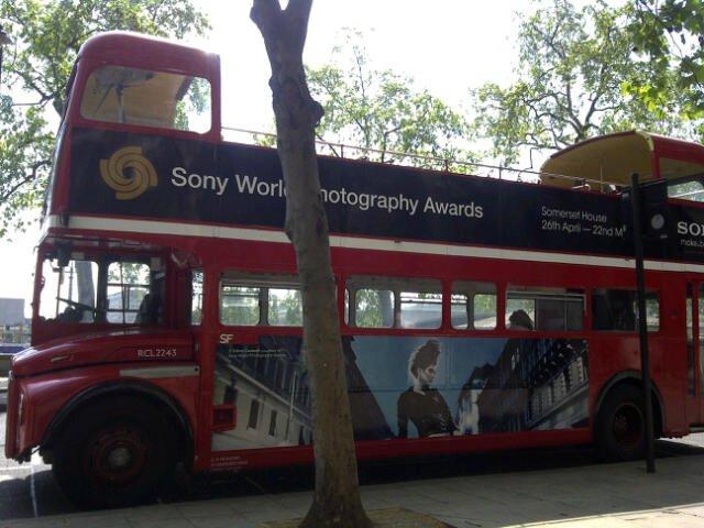 Díj - Sony World Photography Awards - 2011 - Fashion - Punk City - I. helyezés - Double-decker busz